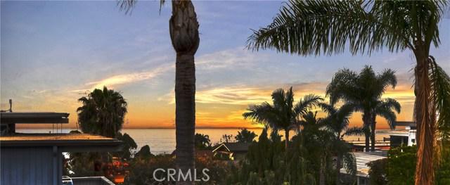 954 Miramar Street, Laguna Beach CA: http://media.crmls.org/medias/e6349e24-139e-476d-9a75-f406b9b9b0f3.jpg