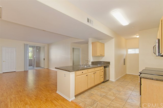 24909 Madison Avenue, Murrieta CA: http://media.crmls.org/medias/e63c967e-34c3-4eb6-aee8-966937708bd0.jpg