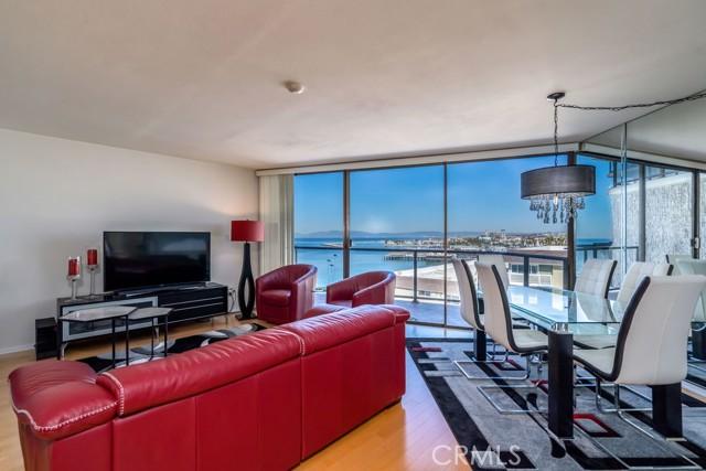531 Esplanade, Redondo Beach CA: http://media.crmls.org/medias/e660c7bb-8aa3-46c0-a997-7fb60e4371ee.jpg