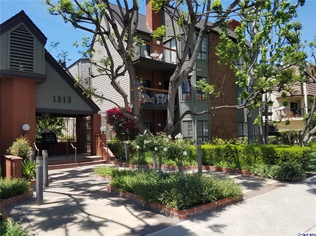 Condominium for Sale at 1313 Valley View Road Glendale, California 91202 United States