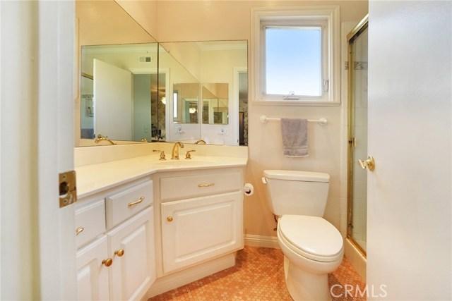 12363 Creekwood Avenue, Cerritos CA: http://media.crmls.org/medias/e6678a35-4982-4b9f-9a67-0d89f7671fa4.jpg