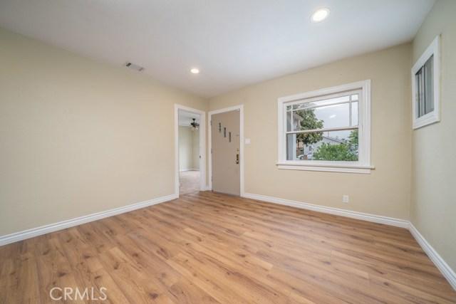 647 W 16th Street, San Bernardino CA: http://media.crmls.org/medias/e678e795-4566-4cab-a1db-4e036c4ce1d9.jpg