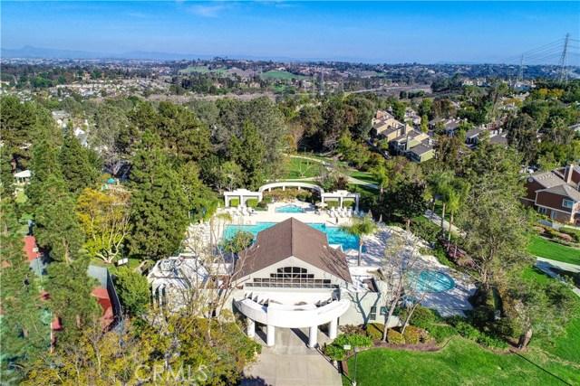 5 Cherrywood, Aliso Viejo CA: http://media.crmls.org/medias/e68bb590-9413-48b0-885f-9f07e5314522.jpg