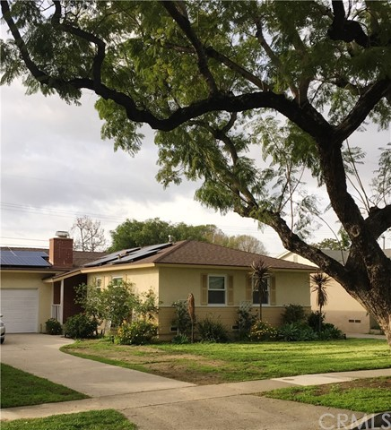 Single Family Home for Sale at 1910 Linwood Avenue N Santa Ana, California 92705 United States