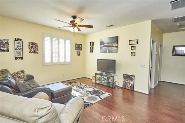 14955 Corlita Street, Victorville CA: http://media.crmls.org/medias/e6c8e17b-552f-48b6-8578-cccb92757641.jpg