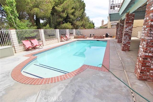 13385 Alta Vista Drive, Victorville CA: http://media.crmls.org/medias/e6d598e8-1749-4df2-bfc9-b4e78142ec6b.jpg