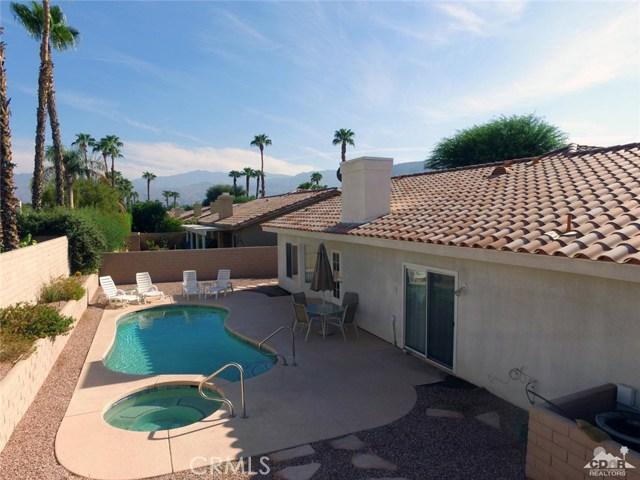 40620 Glenwood Lane, Palm Desert CA: http://media.crmls.org/medias/e6e6ea65-f5f6-4e72-985a-ff861673bfc2.jpg