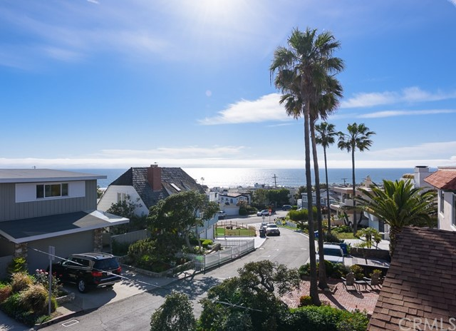Single Family Home for Sale at 2131 Monterey Boulevard Hermosa Beach, California 90254 United States