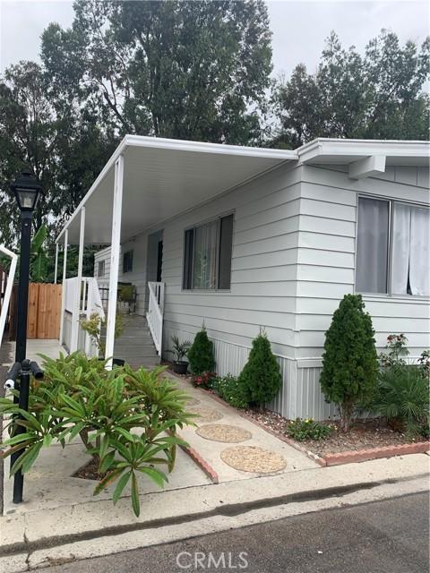 3101 S Fairview Street, Santa Ana CA: http://media.crmls.org/medias/e6ee4710-9c45-4595-8935-6b37f01cc0af.jpg