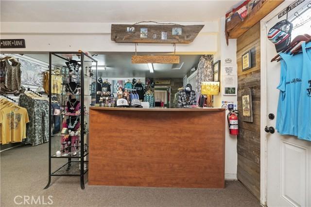 607 6th Street, Norco CA: http://media.crmls.org/medias/e6f083b2-a6ac-4d09-8d91-0451c97786d9.jpg