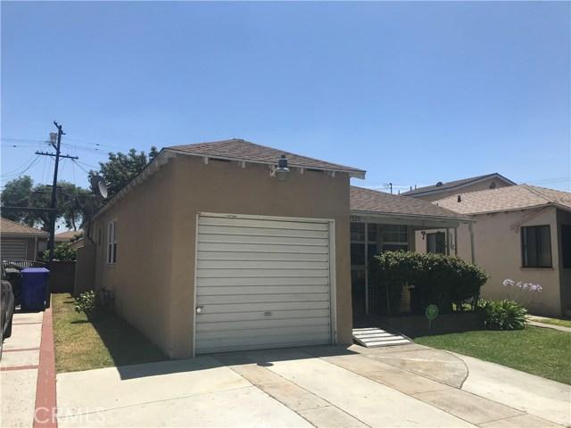 9400 Alexander Avenue, South Gate CA: http://media.crmls.org/medias/e6f71ef7-5066-4965-ae38-4e3c0df8b428.jpg