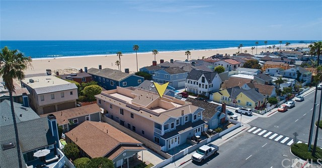 945 W Balboa Boulev Newport Beach, CA 92661 is listed for sale as MLS Listing NP18114763