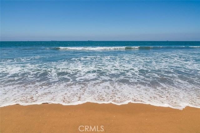 16926 10th Street, Sunset Beach CA: http://media.crmls.org/medias/e711a5f7-cf1a-4a73-ad9b-4b239235cf4a.jpg