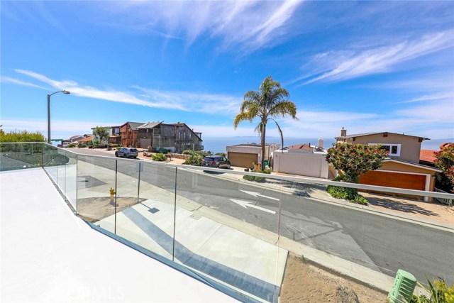 908 Quivera Street, Laguna Beach CA: http://media.crmls.org/medias/e7190b1e-d34d-489b-b113-a1d7e38c557a.jpg