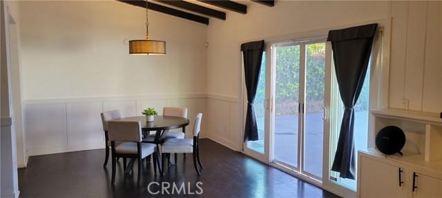 18643 Chase Street, Northridge CA: http://media.crmls.org/medias/e7215257-0036-4bd7-87fd-1c902d0f279c.jpg