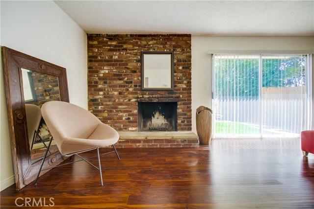 9009 Oneida Avenue, Sun Valley CA: http://media.crmls.org/medias/e7241578-39ca-4fbe-99a8-fba2b1b709d3.jpg