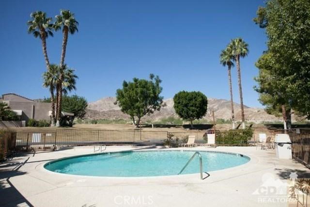 72384 Ridgecrest Lane, Palm Desert CA: http://media.crmls.org/medias/e729b6c5-1c1b-4e20-8cd7-dc82d49130b8.jpg