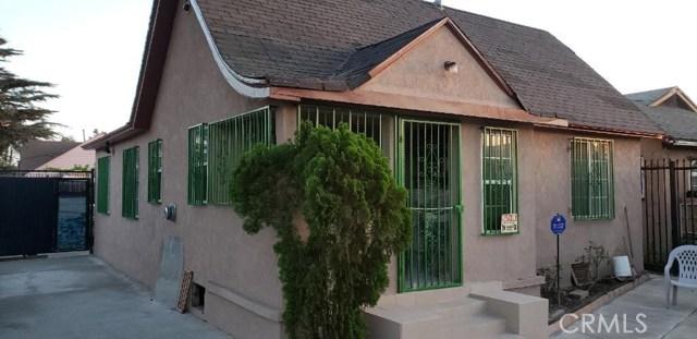 1000 W 68th Street, Los Angeles CA: http://media.crmls.org/medias/e72bc3e7-71f7-46b1-9f67-aa8f18358b9a.jpg