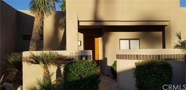 28186 Desert Princess Drive, Cathedral City CA: http://media.crmls.org/medias/e72e9a9c-0342-440d-8fa4-6d42d38c3522.jpg