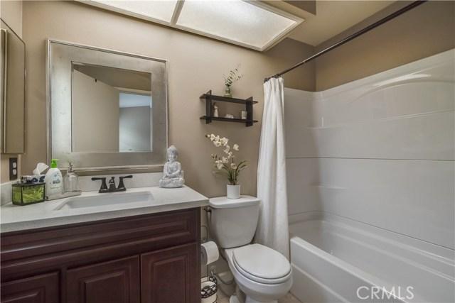 8288 Mondavi Place, Rancho Cucamonga CA: http://media.crmls.org/medias/e7312a87-d172-4055-979e-51ba4cadea25.jpg