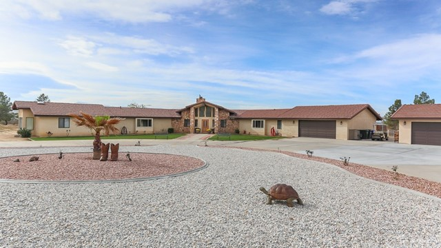 23353 South Road, Apple Valley, CA, 92307