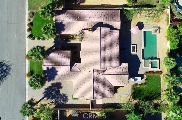 81038 Monarchos Circle, La Quinta CA: http://media.crmls.org/medias/e73eeb3b-e8ab-4ff5-8aad-1719f335d9ff.jpg