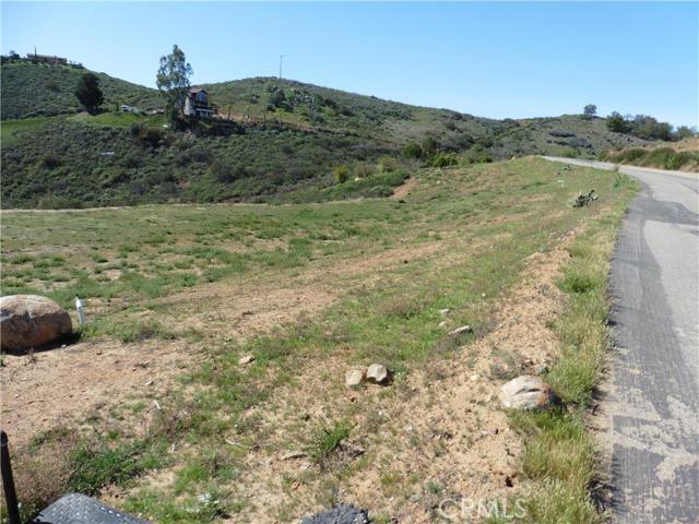 3911 Aspen Road, Fallbrook CA: http://media.crmls.org/medias/e743bb80-0ad6-4c72-9de5-b5f39f1b2f1d.jpg