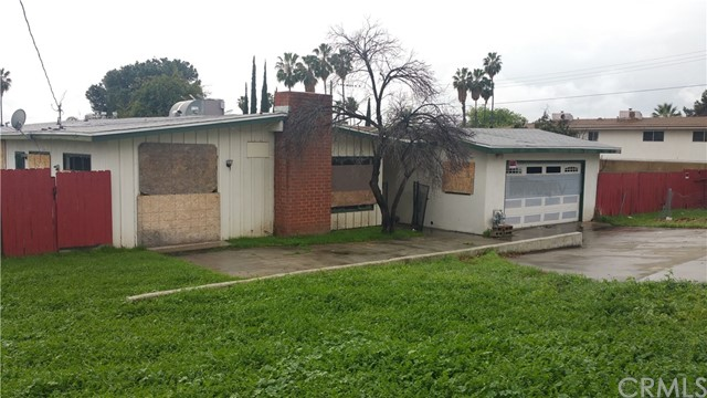 Single Family Home for Sale at 25891 Pacific Street San Bernardino, California 92404 United States