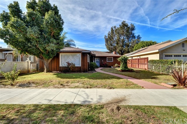 Residential Income for Sale at 1941 San Francisco Avenue 1941 San Francisco Avenue Long Beach, California 90806 United States