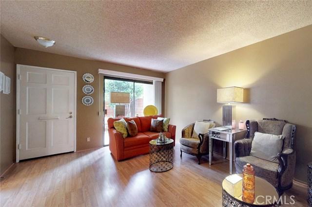 982 W Lamark Ln, Anaheim, CA 92802 Photo 2
