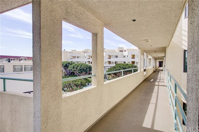 520 The Village 313, Redondo Beach, CA 90277 photo 36