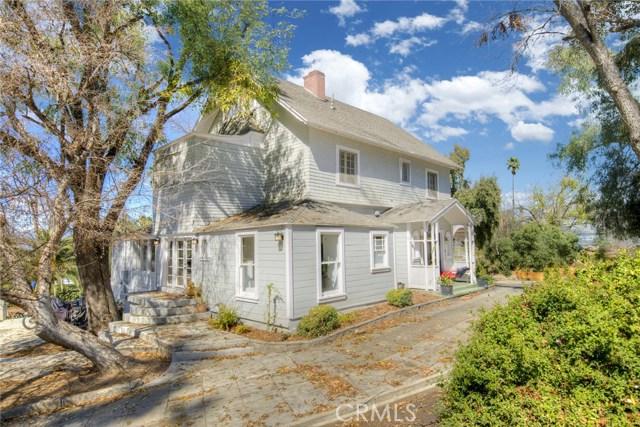 1311 S Center Street, Redlands CA: http://media.crmls.org/medias/e78bd771-f800-4f7f-826e-29fbd91c60f2.jpg