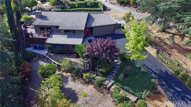 422 Fairview Lane, Paso Robles CA: http://media.crmls.org/medias/e78d626f-3796-49a6-9551-4fa793b1e2f4.jpg