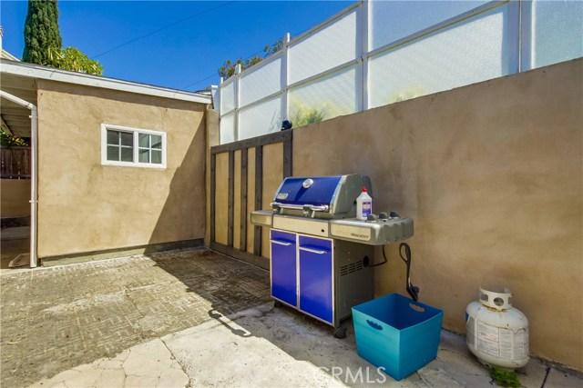 130 W Lewis, San Diego CA: http://media.crmls.org/medias/e79d0b48-3e20-493f-8e78-7103b6f4e022.jpg