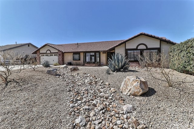 13470 Cochise Road Apple Valley CA 92308