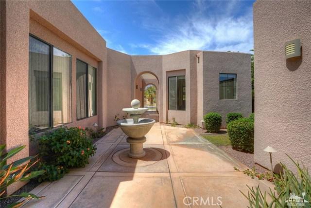 10 Via Haciendas, Rancho Mirage CA: http://media.crmls.org/medias/e7b53ca3-536d-40cb-8845-a2519e2e1f3d.jpg