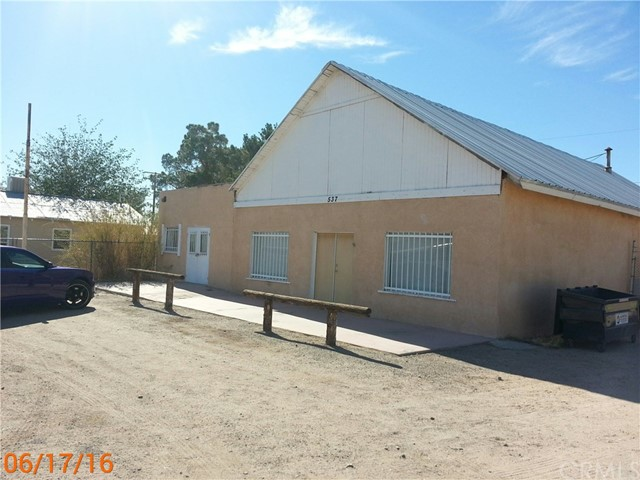 Single Family for Sale at 537 Yermo Road Yermo, California 92398 United States