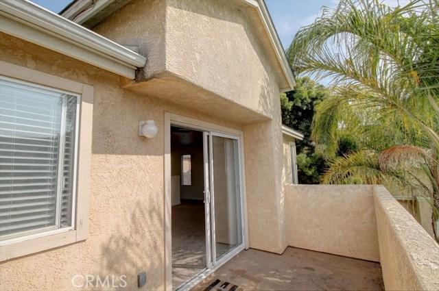 220 E Grant Street, Santa Maria CA: http://media.crmls.org/medias/e7c9faa1-0f05-4037-88e5-68fa1d429690.jpg