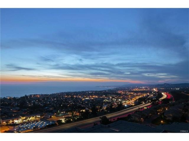303 E Avenida Cordoba, San Clemente CA: http://media.crmls.org/medias/e7cf411c-ecfd-447b-9f89-e4b6e84d328f.jpg