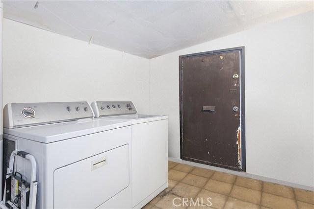 1044 N Avenue 50, Los Angeles CA: http://media.crmls.org/medias/e7d1715e-e9f2-435c-b7d8-7c6e93c0d933.jpg