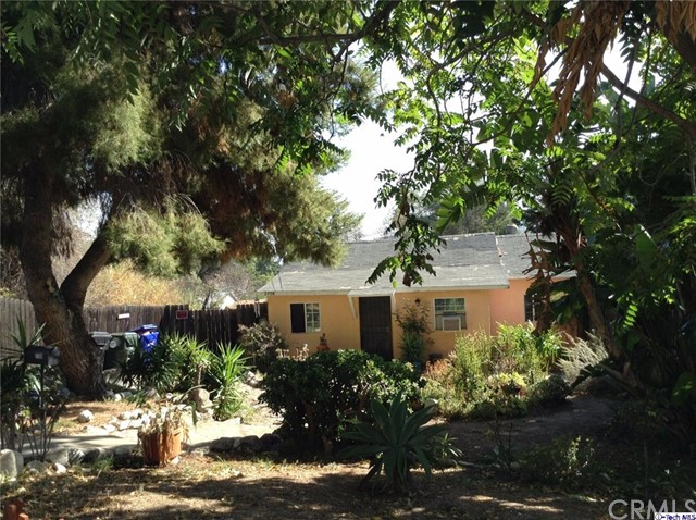 2708 Community Avenue La Crescenta, CA 91214 is listed for sale as MLS Listing 316009027