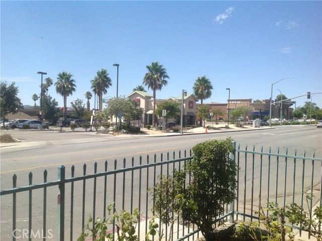 711 W Ramsey Street, Banning CA: http://media.crmls.org/medias/e7e4cd33-9722-4b44-abf3-f568544e47a9.jpg