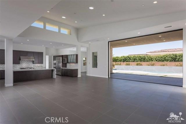 16 Sapphire Lane, Rancho Mirage CA: http://media.crmls.org/medias/e7ef8c74-374f-421e-92a9-630683e6e759.jpg