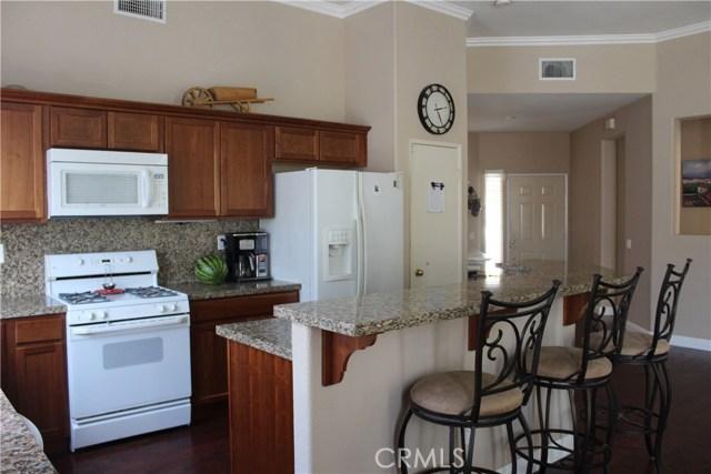 13673 Basswood Drive, Corona CA: http://media.crmls.org/medias/e7f1758f-2190-4615-a27d-2b78d5ef7090.jpg