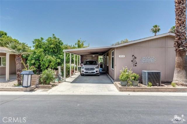 73450 Country Club Drive, Palm Desert CA: http://media.crmls.org/medias/e809cc65-377e-4495-b1d0-350246dd2452.jpg