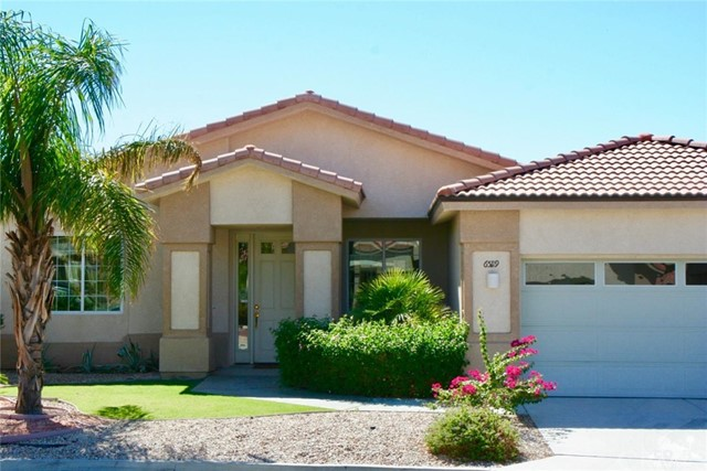 65119 South Cliff Circle, Desert Hot Springs CA: http://media.crmls.org/medias/e80e120d-d4ce-469b-80e4-ca45ee3fa24f.jpg
