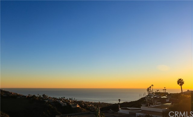 1555 Caribbean Way, Laguna Beach, CA 92651