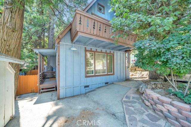 1154 Bear Springs Road, Rimforest CA: http://media.crmls.org/medias/e833da2f-b17e-401e-8179-e7134995043a.jpg