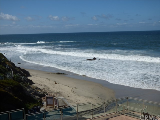 1585 S Coast, Laguna Beach CA: http://media.crmls.org/medias/e83b0de4-5297-4867-a63d-04de01ac1be7.jpg