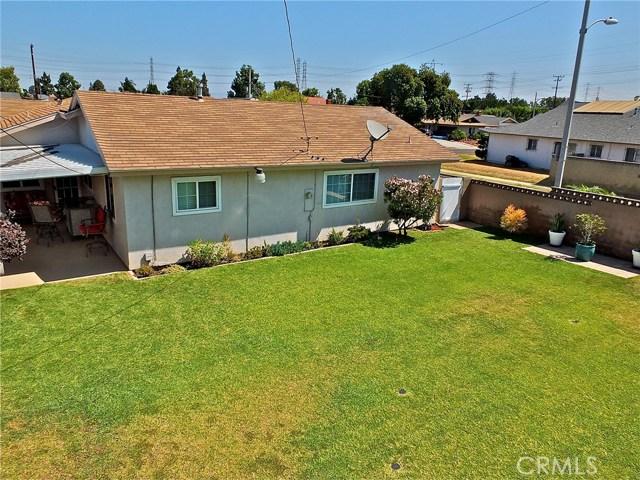 562 E Kenbridge Drive, Carson CA: http://media.crmls.org/medias/e846c445-6ec1-4dfd-88e9-0c2142a021b6.jpg